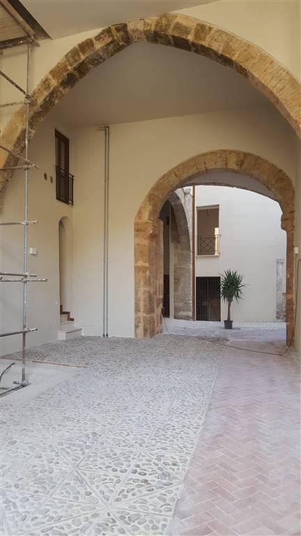 Trilocale in Piazza Cattolica - Via Alessandro Paternosto, Piazza Marina, Palermo