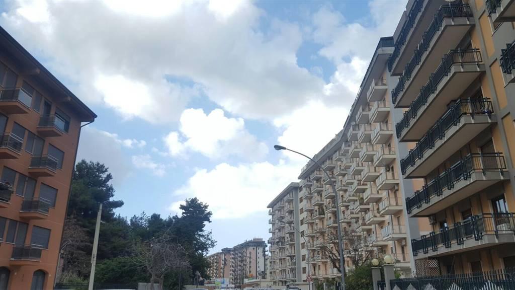Appartamento, Notarbartolo, Palermo, in ottime condizioni
