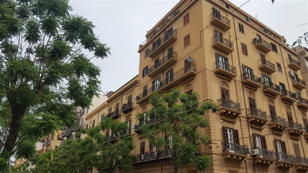 Trilocale in Via Xii Gennaio 3, Politeama, Palermo