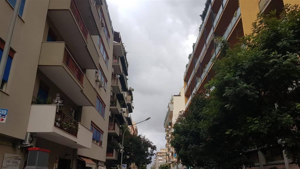 Appartamento in Via Maggiore Toselli 199, Palermo