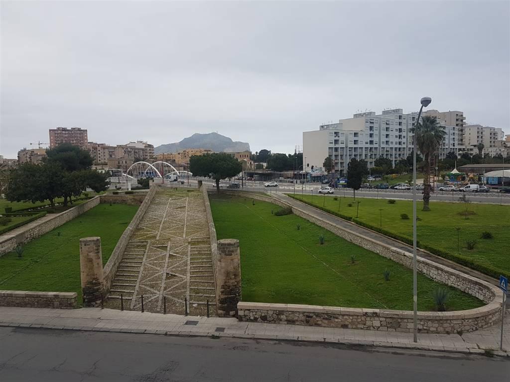Appartamento in Corso Dei Mille  245, Palermo