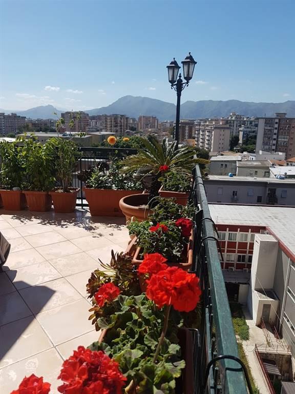 Attico / Mansarda in vendita a Palermo, 5 locali, zona Località: LAZIO, prezzo € 479.000 | PortaleAgenzieImmobiliari.it