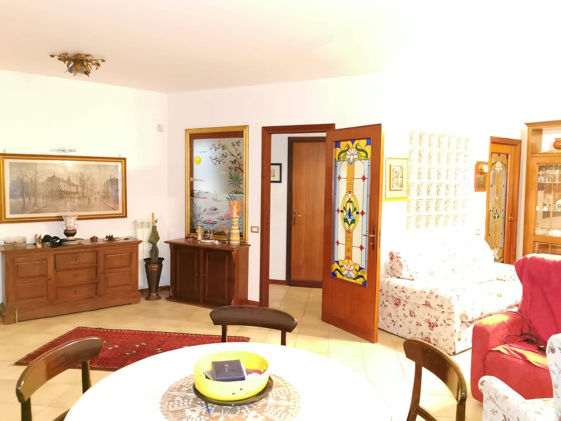 salotto - Rif. 164/20