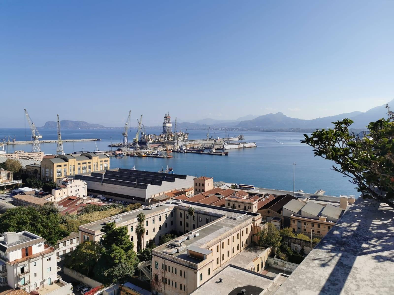 Attico / Mansarda in vendita a Palermo, 7 locali, zona ieri, prezzo € 359.000 | PortaleAgenzieImmobiliari.it