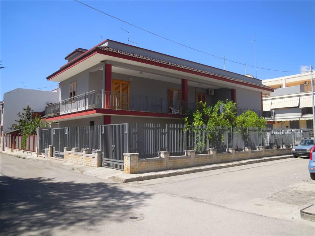 Casa singola in Via Dusmet, Palo Del Colle