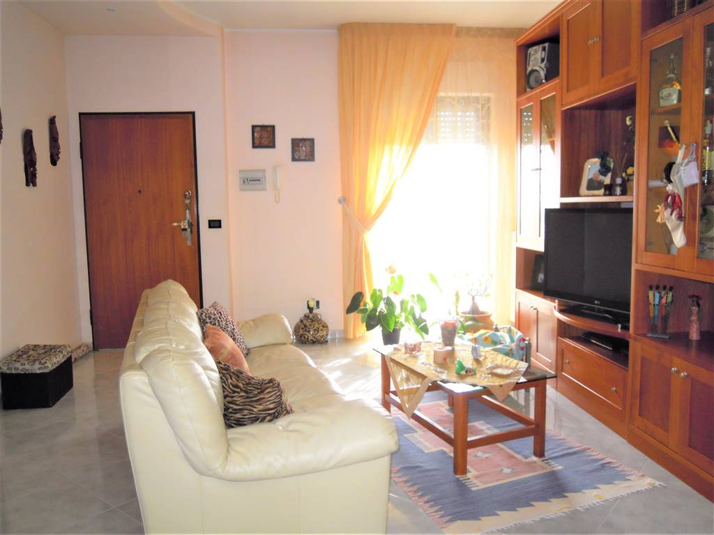 Appartamento indipendente in Via Don Francesco Mastrandrea, Palo Del Colle