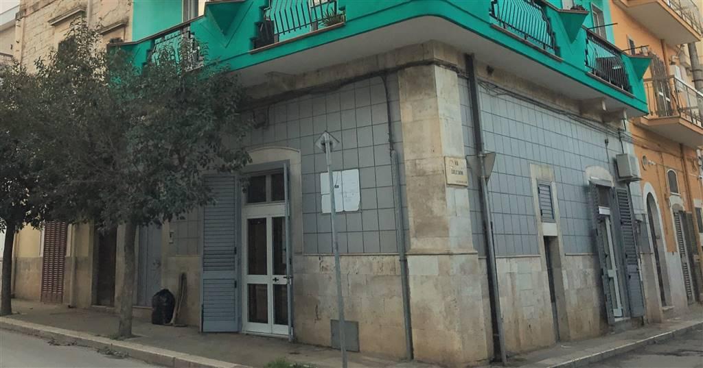 Appartamento indipendente in Via Martiri Di Via Fani, Grumo Appula