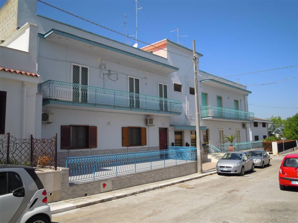 Appartamento indipendente in Via Adua, Palo Del Colle