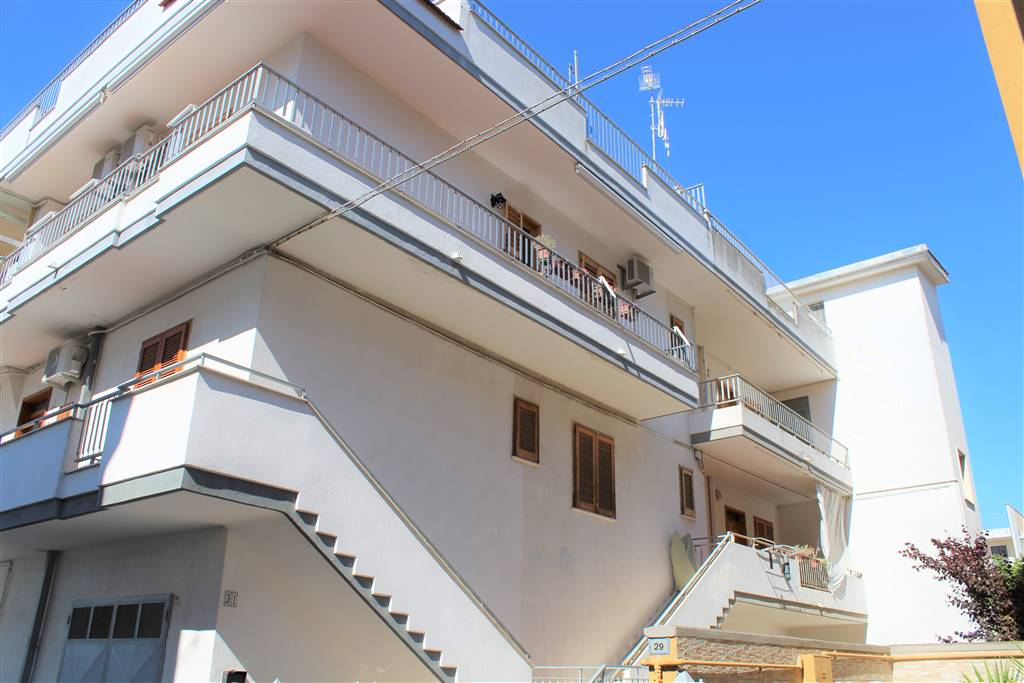 Appartamento indipendente in Via Gismondi, Palo Del Colle