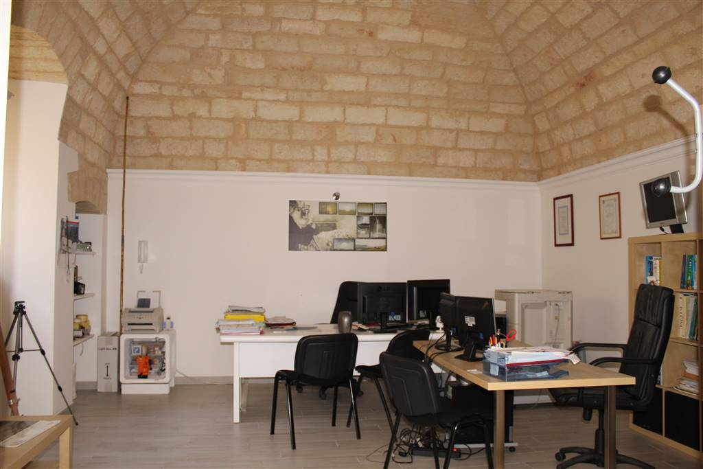 Vendita appartamento indipendente via cairoli palo del for Produttore di piano terra del punto vendita