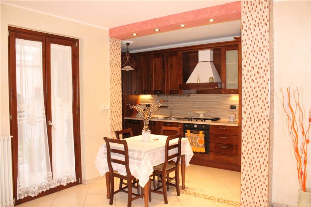 Appartamento indipendente in Via Ferrucci, Palo Del Colle