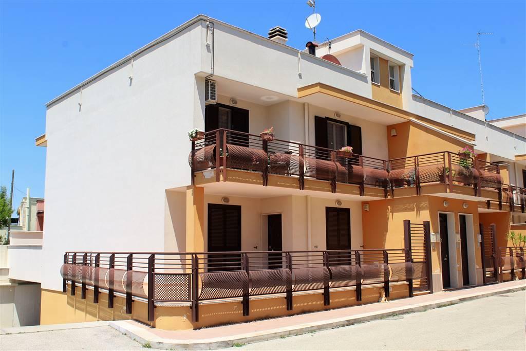Appartamento indipendente in Via Senatore Sylos Labini, Bitonto