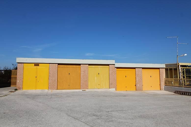 Garage / Posto auto in Piazzale Santa Scorese, Palo Del Colle