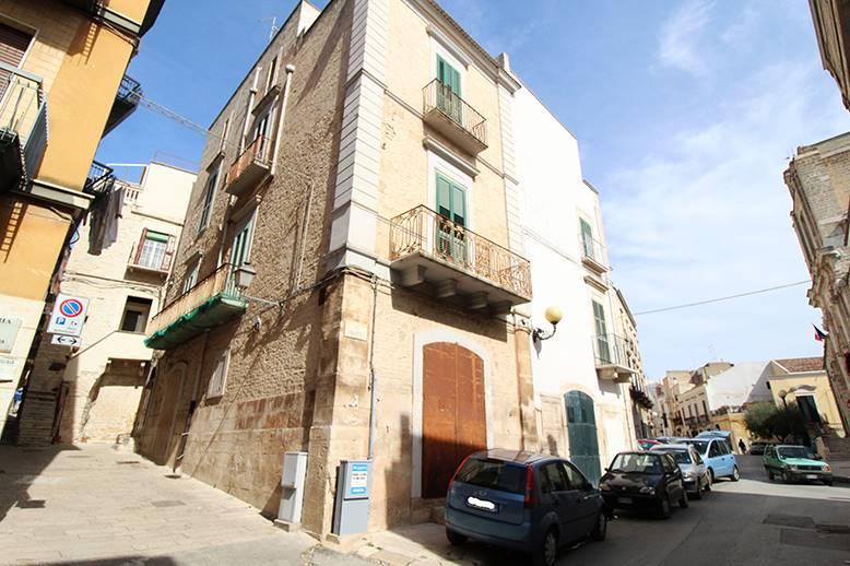 Palazzo in Via Umberto i, Palo Del Colle