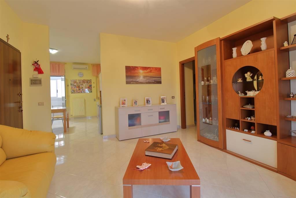 Appartamento in vendita a Palo del Colle, 4 locali, prezzo € 130.000   PortaleAgenzieImmobiliari.it