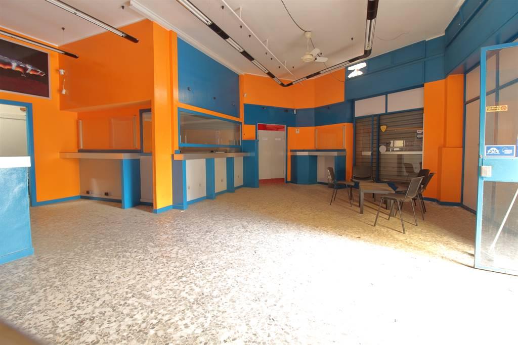 Attività / Licenza in affitto a Palo del Colle, 3 locali, prezzo € 700 | CambioCasa.it