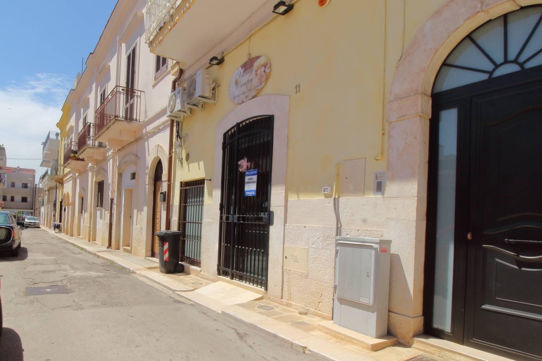 Laboratorio in vendita a Palo del Colle, 3 locali, prezzo € 48.000 | CambioCasa.it