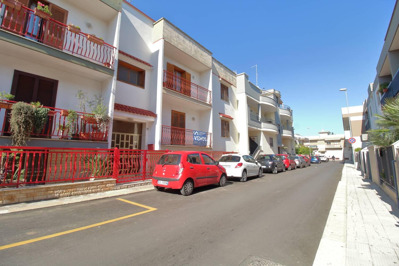 Appartamento in vendita a Adelfia, 3 locali, prezzo € 125.000 | CambioCasa.it
