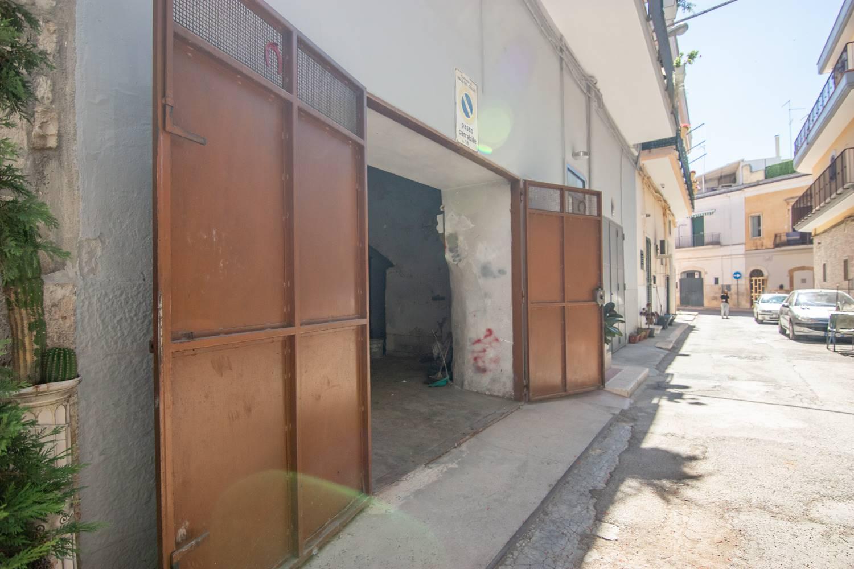 Box / Garage in vendita a Palo del Colle, 1 locali, prezzo € 30.000   CambioCasa.it
