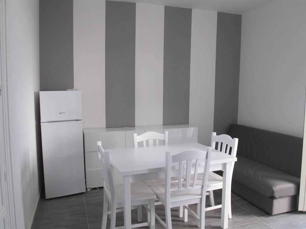 Appartamento in affitto a Bagheria, 2 locali, prezzo € 350 | CambioCasa.it
