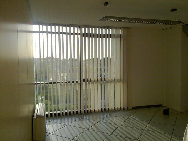 Centro Direzionale Ospedaletto, Uffici da 24 mq fino a 200 . ll canone di locazione è comprensivo di: 2 posti auto privati riscaldamento / area