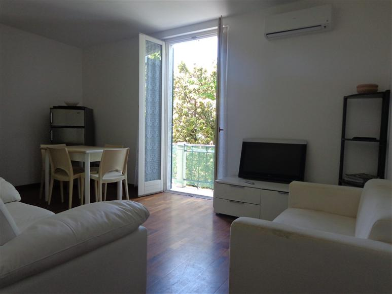 CENTRO, FORTE DEI MARMI, Apartment for the vacation for rent of 100 Sq. mt., Excellent Condition, Heating Individual heating system, Energetic class: