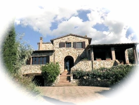 TUSCANY - POMAIA - A few steps from the famous international Tibetan Buddhism center (Lama Tsong Khapa) is located this beautiful property. This