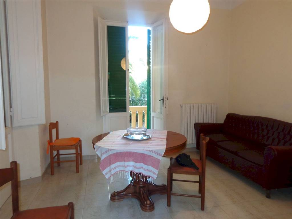 QUERCIANELLA, LIVORNO, Apartment for rent of 130 Sq. mt., Good condition, Heating Individual heating system, Energetic class: G, placed at Raised,