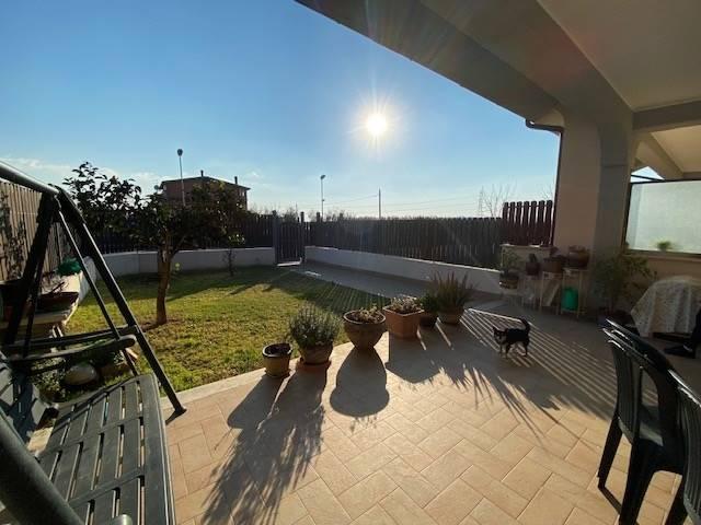 Villa a Schiera in vendita a Capena, 4 locali, zona Località: BIVIO DI CAPANNELLE, prezzo € 159.000 | CambioCasa.it