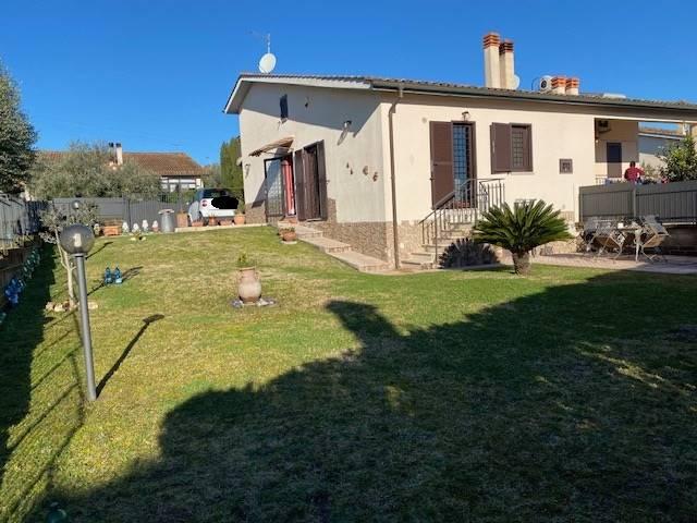 Villa Bifamiliare in vendita a Capena, 4 locali, prezzo € 219.000 | CambioCasa.it
