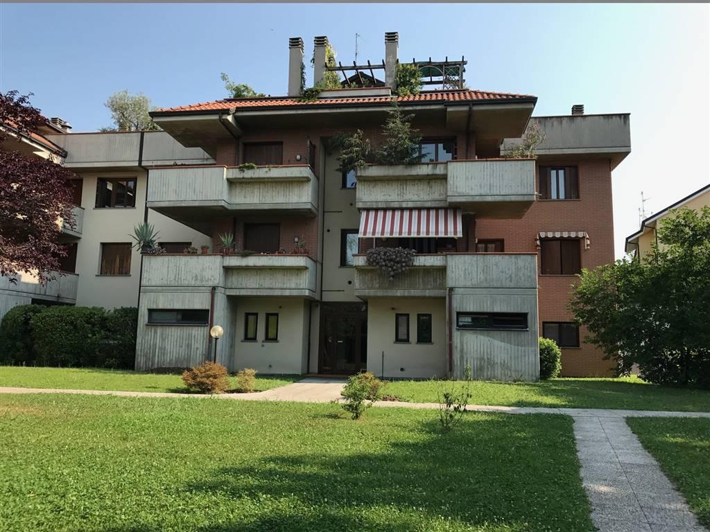 Bilocale in Via Confalonieri Federico 32, Parco (vedano), Monza