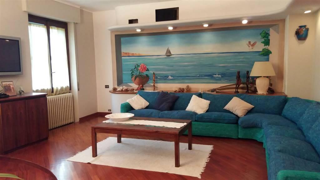 Attico / Mansarda in vendita a Carugate, 7 locali, prezzo € 390.000   PortaleAgenzieImmobiliari.it