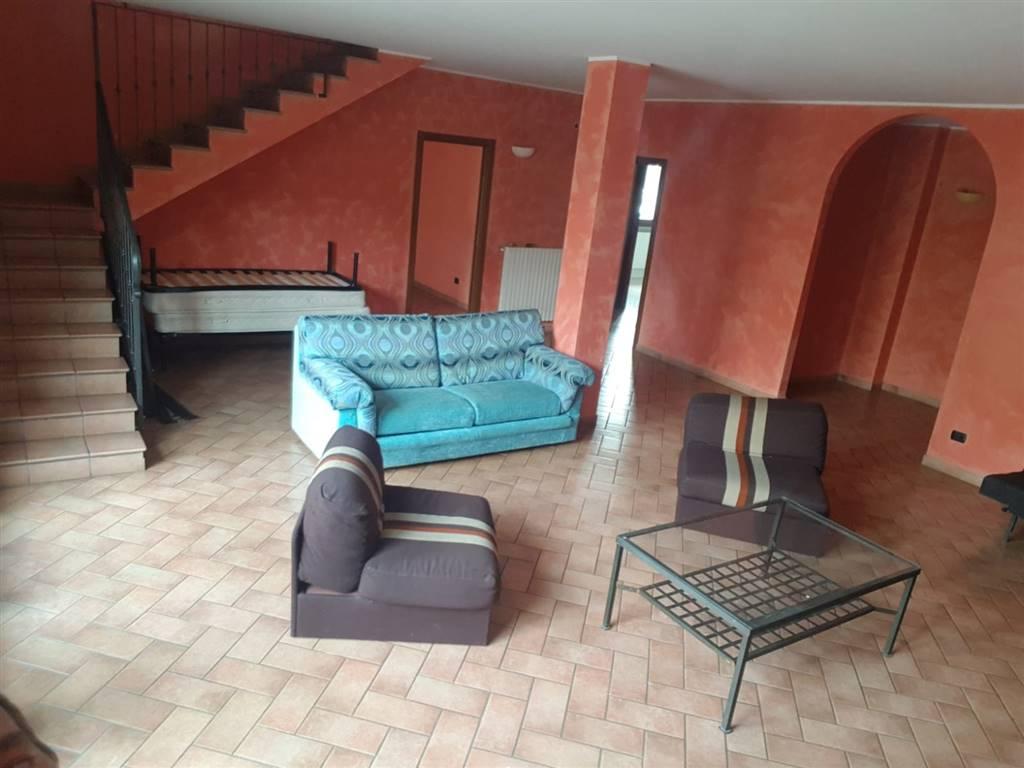 CERNUSCO SUL NAVIGLIO, Appartamento in vendita di 380 Mq, Ottime condizioni, Riscaldamento Autonomo, Classe energetica: G, Epi: 227,96 kwh/m2 anno,