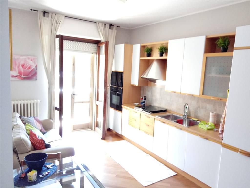 CARUGATE, Appartamento in vendita di 50 Mq, Ottime condizioni, Riscaldamento Centralizzato, Classe energetica: G, Epi: 175 kwh/m2 anno, posto al