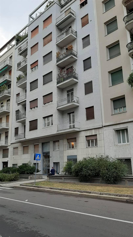 MONFORTE, MILANO, Appartamento in vendita di 145 Mq, Ottime condizioni, Riscaldamento Centralizzato, Classe energetica: G, posto al piano 1° su 7,