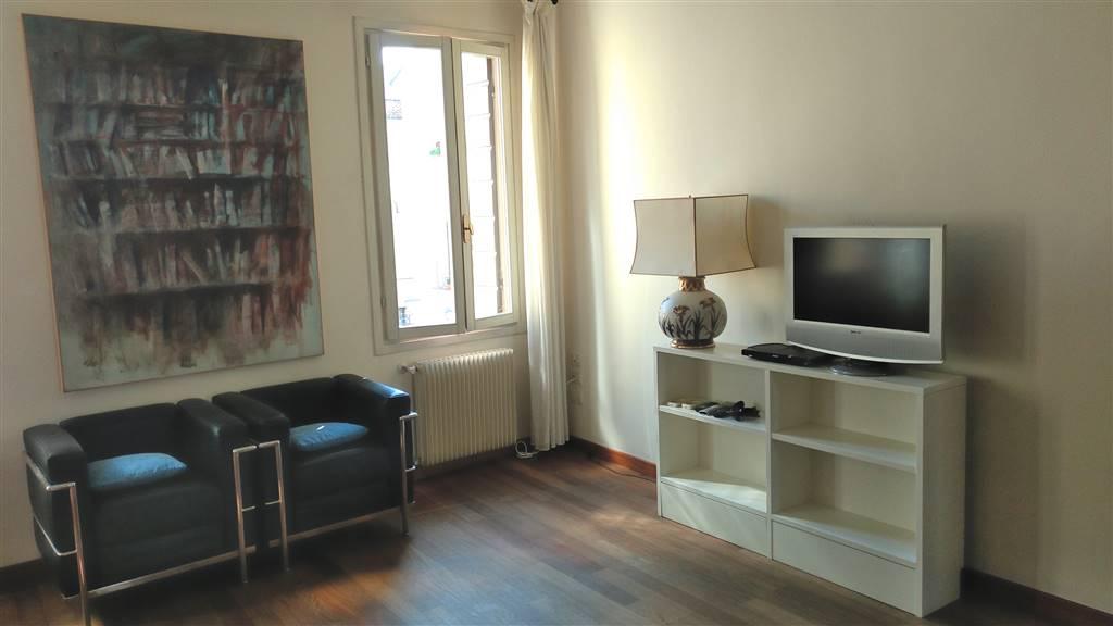 Appartamento in affitto a Treviso, 5 locali, zona Zona: Centro storico, prezzo € 1.200   CambioCasa.it