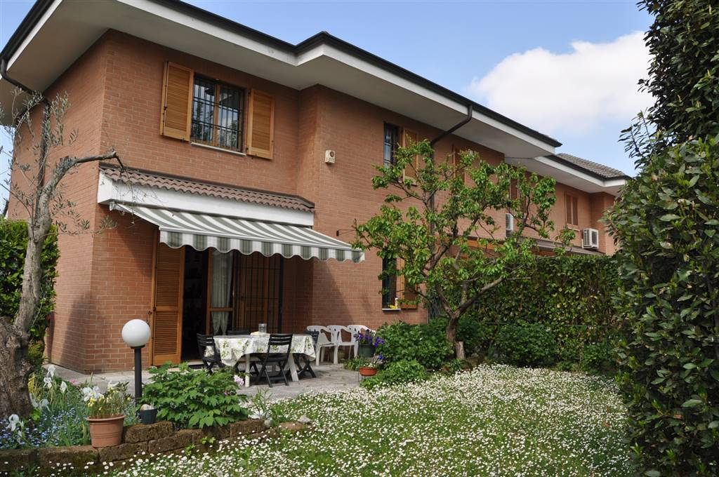 Villa in Via Grigna 16, San Biagio, Cazzaniga, Monza