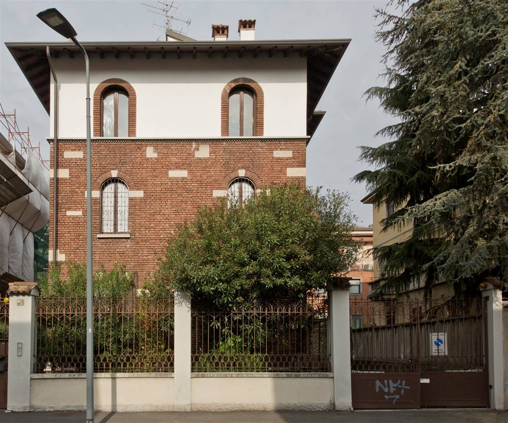 Villa in Via Pacifico Valussi  5, Milano
