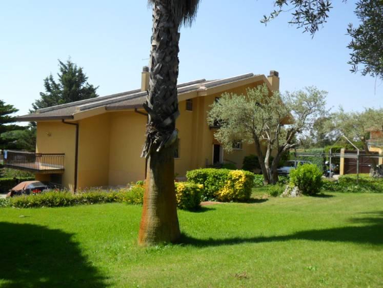 Villa in V.le Stefano Cantura, Caltanissetta