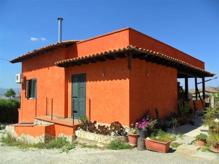 Villa in C.da Pozzillo, San Cataldo