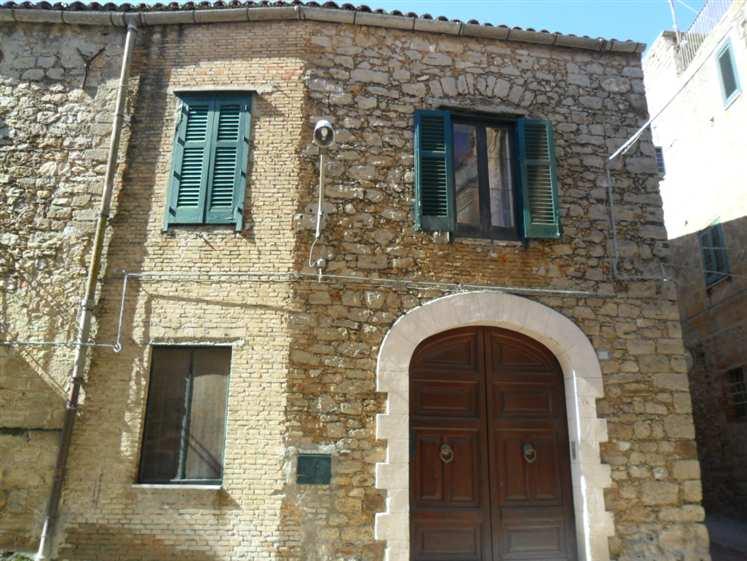 Casa singola, Mazzarino, abitabile