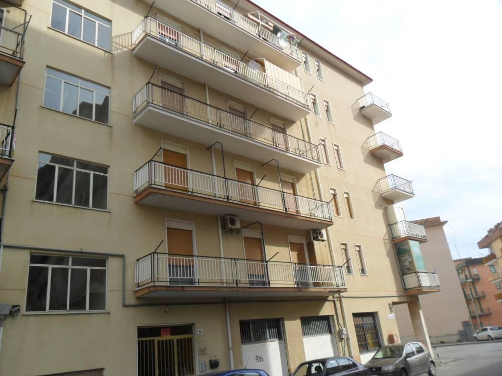 Quadrilocale in Via Reduci Iv Divisione Livorno 8, San Cataldo