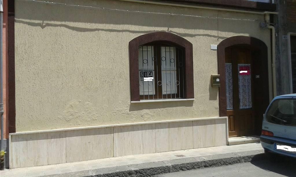 Case a fiumefreddo di sicilia in vendita e affitto for Cercasi locali commerciali in affitto