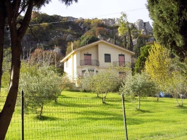 Villa, San Cataldo