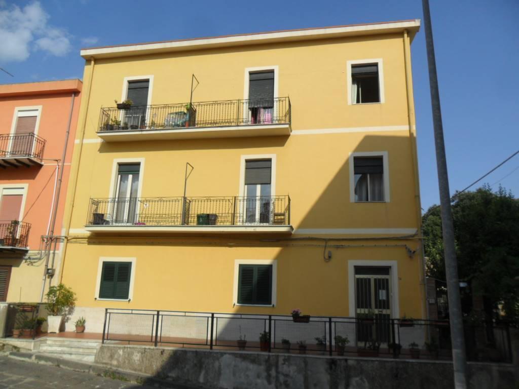 Trilocale in Via Chiarandà  34, Caltanissetta