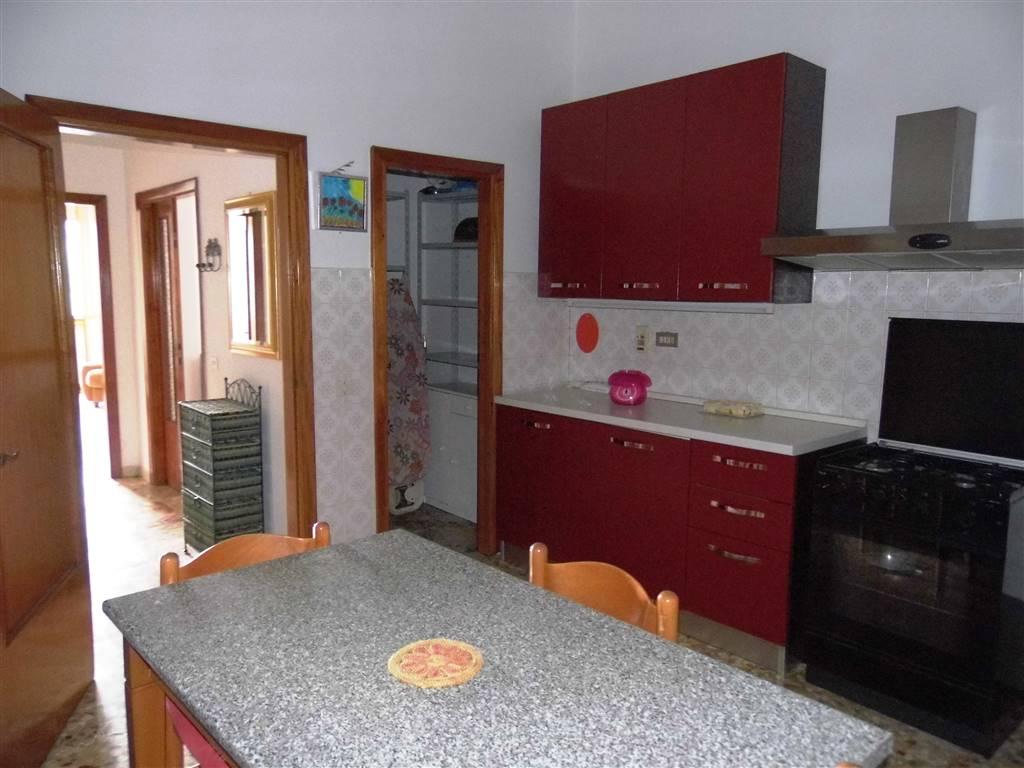 Appartamento in vendita a Borgo San Lorenzo, 4 locali, zona Località: PAESE, prezzo € 160.000 | CambioCasa.it