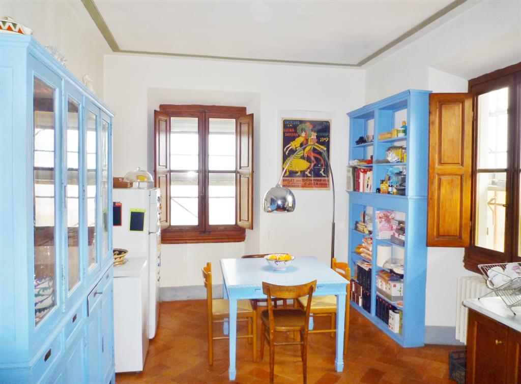 Appartamento in vendita a Borgo San Lorenzo, 5 locali, zona Località: SAGGINALE, prezzo € 220.000 | CambioCasa.it