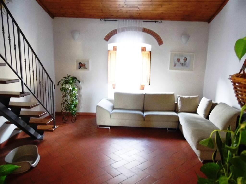 Appartamento in vendita a Scarperia e San Piero, 5 locali, zona Località: SAN PIERO A SIEVE, prezzo € 200.000   PortaleAgenzieImmobiliari.it