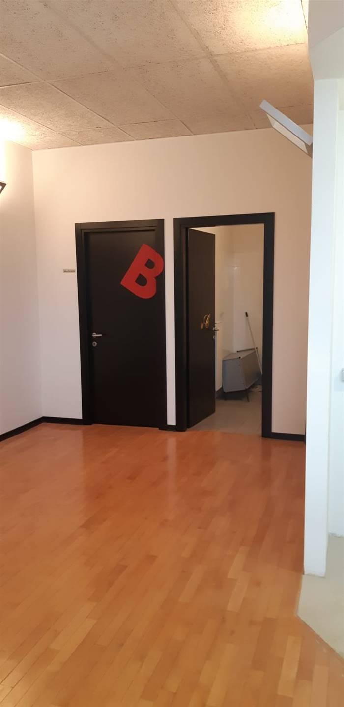 Ufficio / Studio in affitto a Borgo San Lorenzo, 2 locali, zona Località: PAESE, prezzo € 450 | CambioCasa.it
