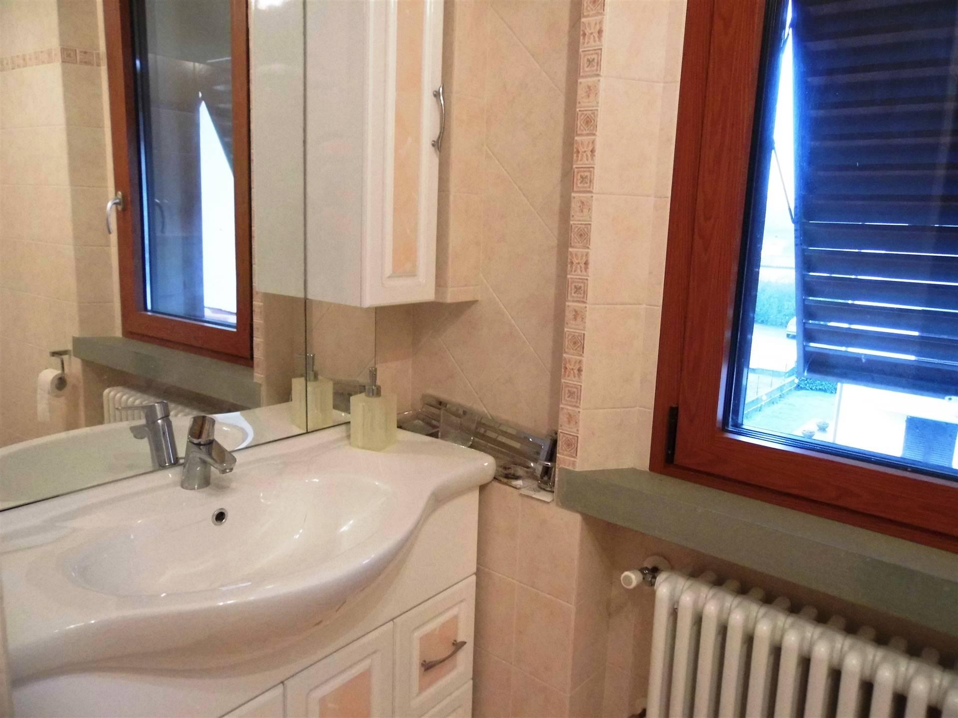 bagno con finestra